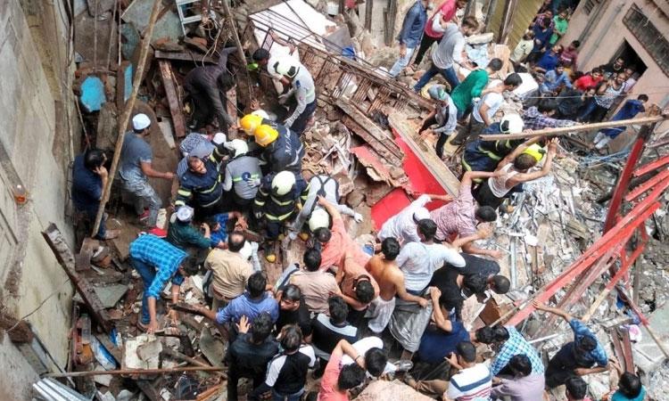 মুম্বাইয়ে শতবর্ষী ভবন ধসে নিহত ১২, আটকা পড়েছেন ৫০ জন