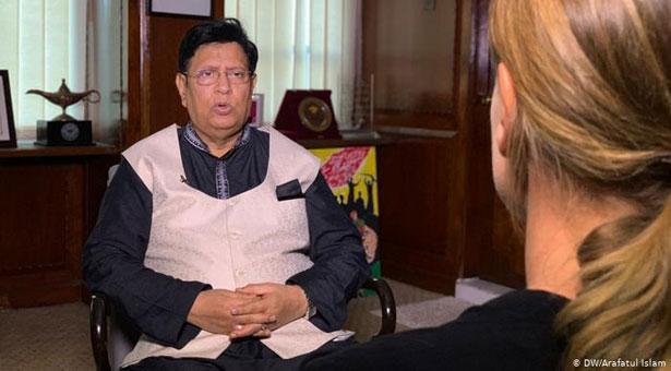 রোহিঙ্গা স্থানান্তর সমর্থন করো, নইলে দেশ ছাড়ো: জাতিসংঘকে বাংলাদেশ