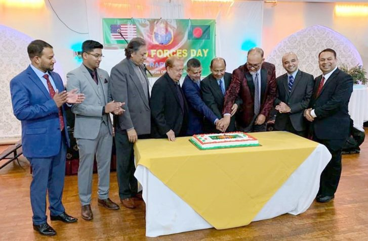 Armed forces day 2019, Rafona cake cutting ceremonies by officers from army, navy, air force. Picture-ANA