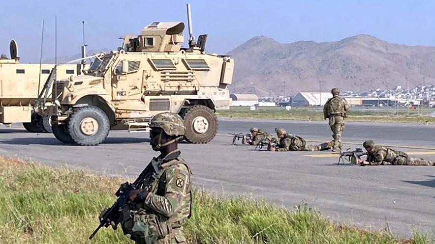 যুক্তরাষ্ট্রের নাগরিকদের না সরানো পর্যন্ত আফগানিস্তানে সেনা থাকবে: বাইডেন